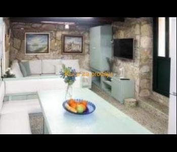 Kuća: Pirovac, dvokatnica, 70.00 m2 (prodaja)
